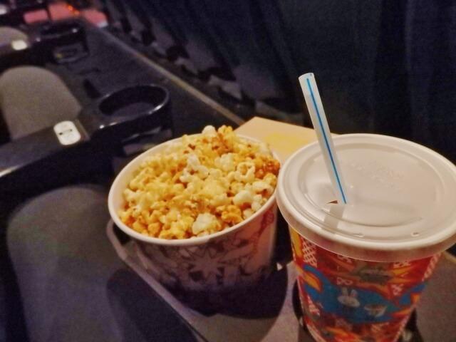 映画館のポップコーン
